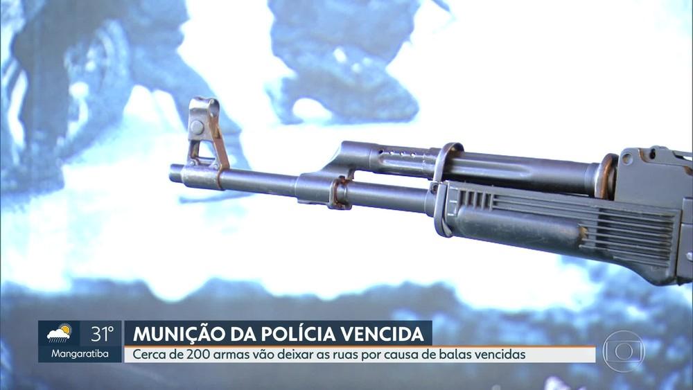 Photo of 200 AK-47 são suspensos de utilização por munição vencida