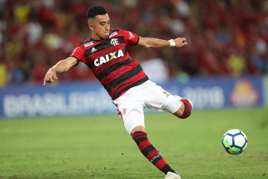 Photo of Santos volta a priorizar e pode fechar com atacante do Flamengo em breve