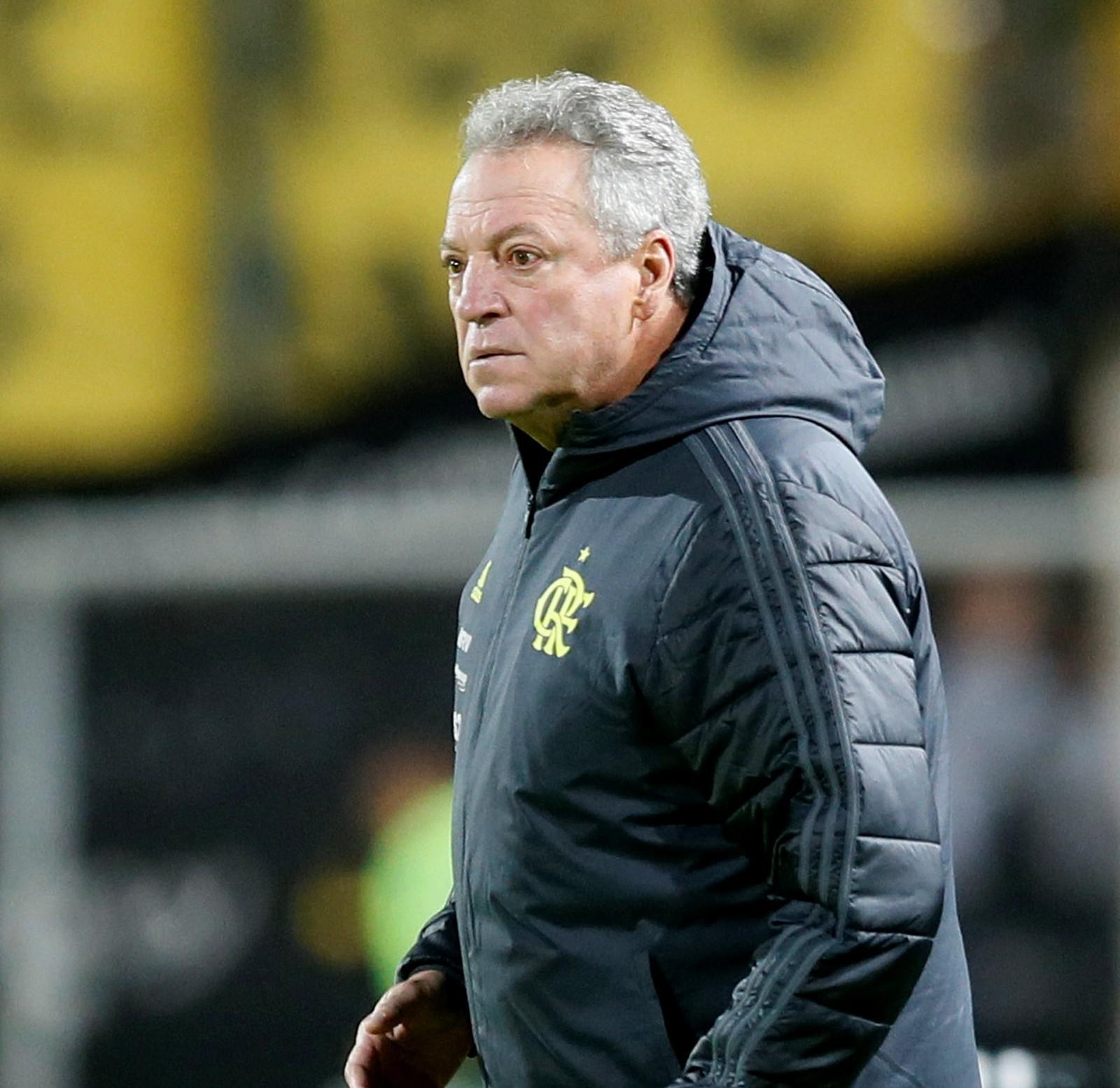 Photo of Abel Braga vai pedir demissão do Flamengo nesta quarta-feira (29)