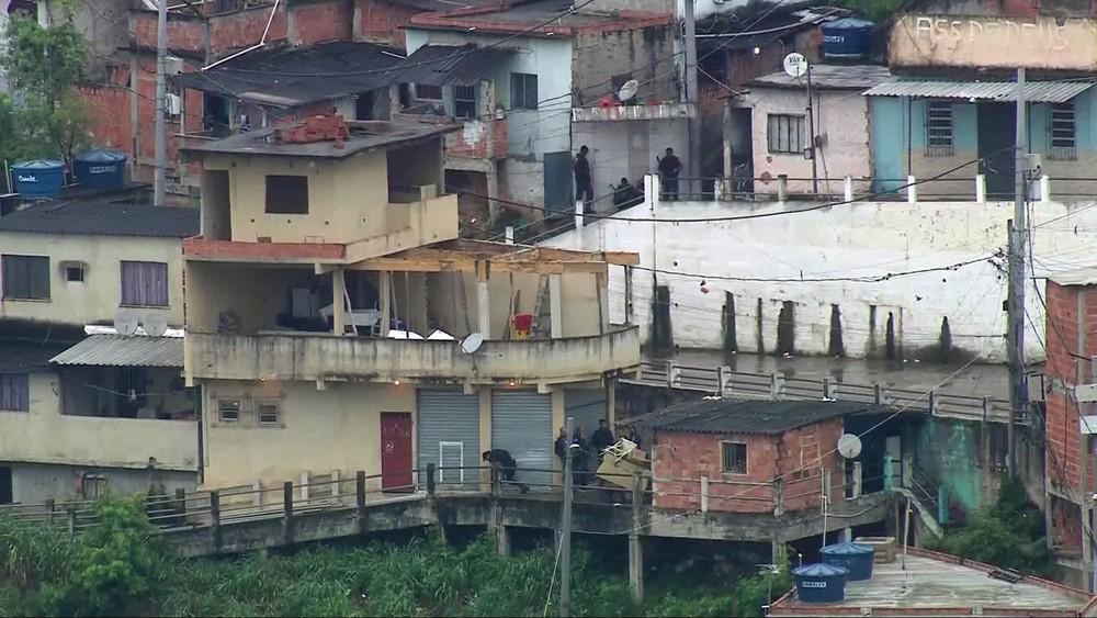 Photo of Complexo da Penha, no Rio, registra tiroteio intenso nesta quinta-feira