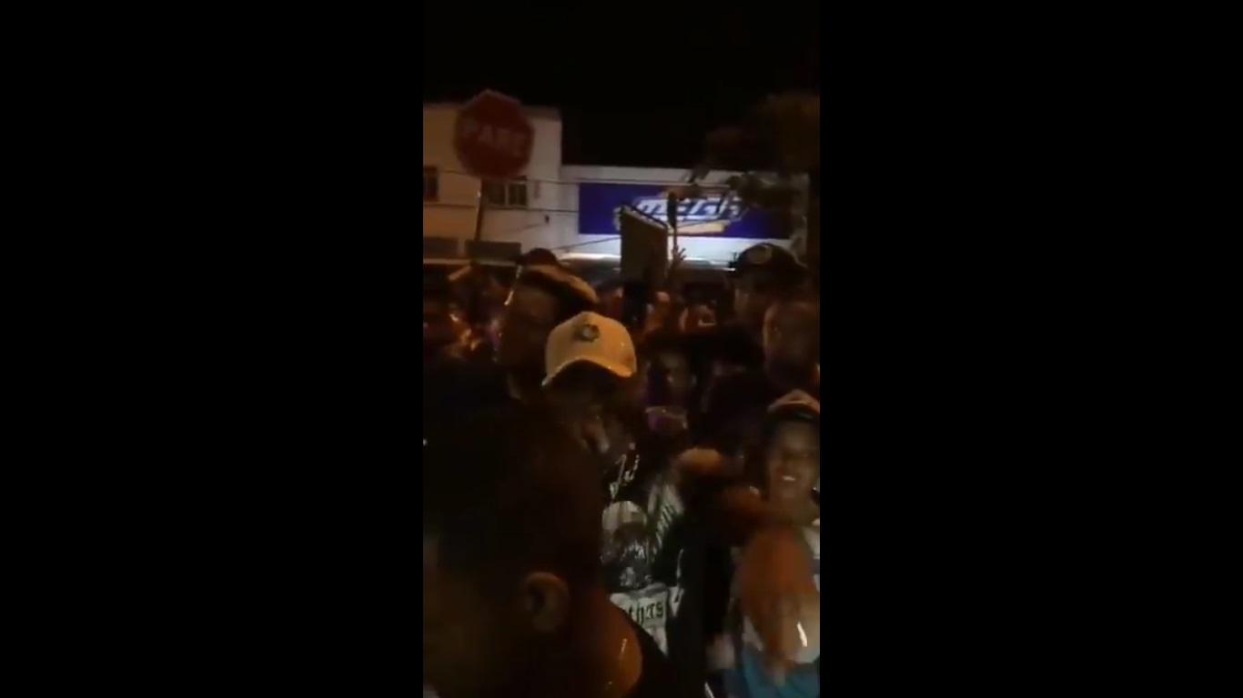 Photo of Mc Urubuzinho provoca Mc Poze do Rodo em baile funk