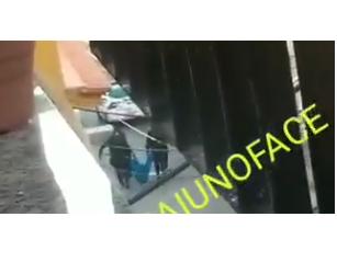 VÍDEO: PMs são vistos carregando corpo no Complexo do Alemão