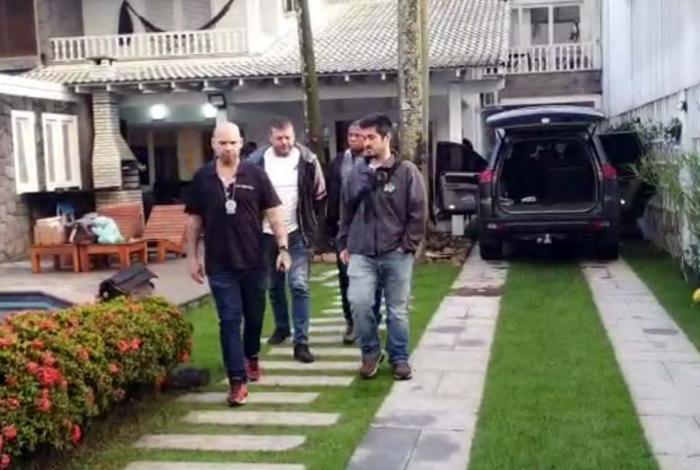 Photo of Líder da milícia do Recreio é preso em mansão na Barra da Tijuca