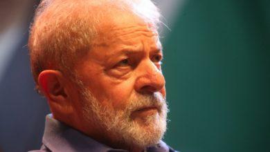 Photo of Lula diz que Luciano Huck representa a Globo e não é de centro-esquerda