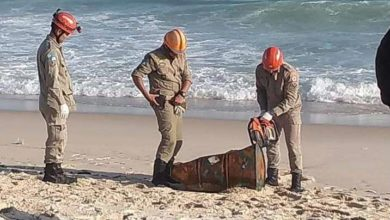 Photo of Corpo é encontrado dentro de tonel de ferro na praia