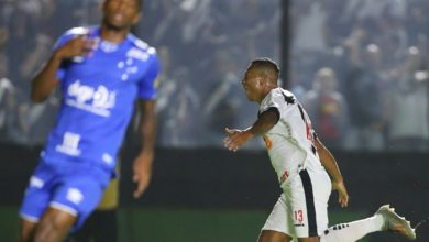 Photo of Vasco se acerta com Guarín e colombiano fica por mais 2 anos