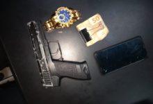Photo of Homem é preso com réplica de pistola na Ilha do Governador
