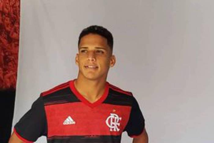 Photo of Saiba o motivo do jovem Thiago não ter estreado pelo Flamengo